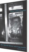 en hårnål klemt inde bag panelet - bog