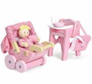 le toy van - nursery set with baby doll (lme044) - Dukker