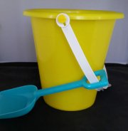 spand og skovl - 17 cm - gul/blå - Bade Og Strandlegetøj
