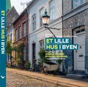 et lille hus i byen - bog