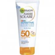 solcreme til børn: garnier kids sensitive adv easy peasy wet skin spf 50 - 150 ml - Hudpleje