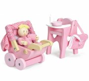 le toy van - nursery set with baby doll (lme044) - Dukker