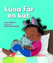 luna får en kat - bog
