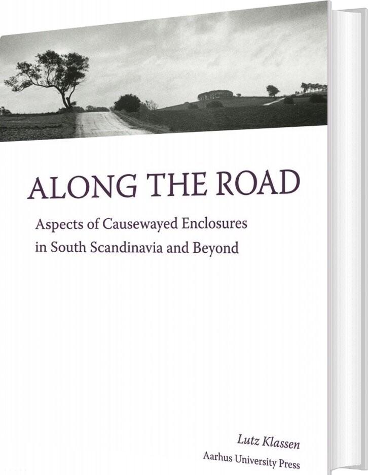 Along The Road - Lutz Klassen - Bog