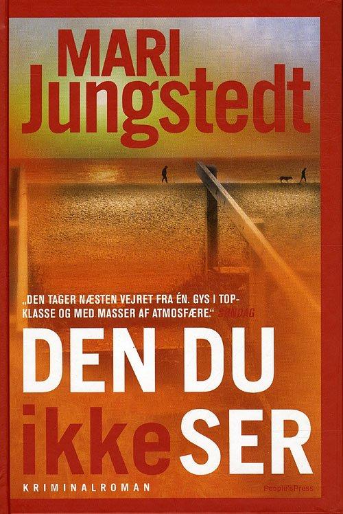 Image of   Den Du Ikke Ser - Mari Jungstedt - Bog