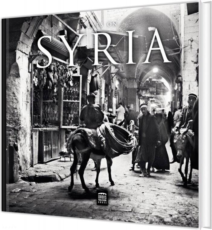 Image of   Eyes On Syria - Pernille Carstens - Bog