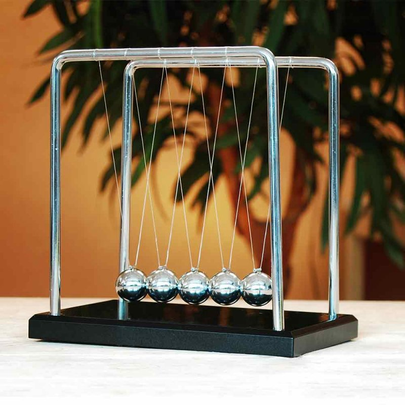 Giant Newtons Cradle - Wood & Steel Version